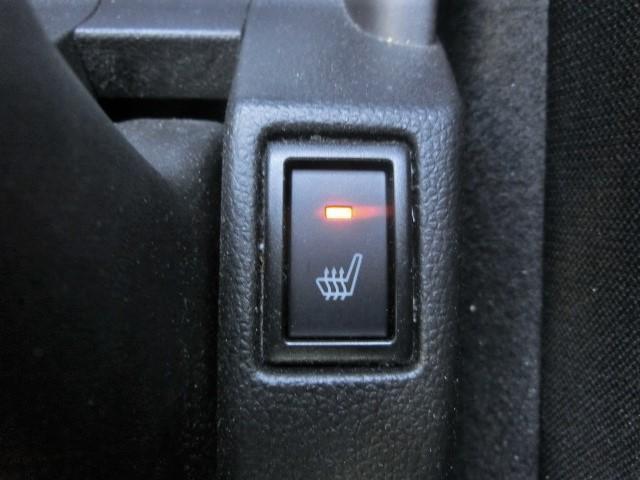 XG スマートキー・シートヒーター・オートエアコン・ハロゲンヘッドライト・電格式ドアミラー・15インチタイヤ・プッシュスタート(8枚目)