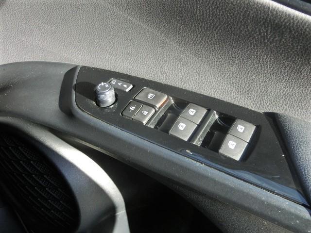 S 8型メモリーナビ・Bluetooth・フルセグTV・安全ブレーキ・クルコン・スタッドレスタイヤ・オートハイビーム・LEDヘッドライト・スマートキー・オートエアコン(13枚目)