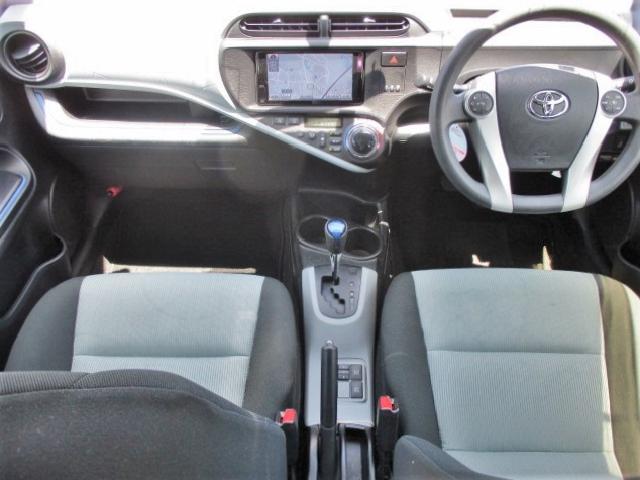 S 純正SDナビ・Bluetooth・フルセグTV・Bカメラ・シートエアコン・15インチスタッドレスタイヤ・オートエアコン・プロジェクターヘッド・電動格納式ウインカーミラー(8枚目)