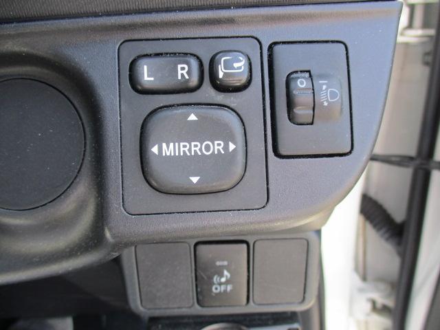 S 純正SDナビ・Bluetooth・フルセグTV・Bカメラ・シートエアコン・15インチスタッドレスタイヤ・オートエアコン・プロジェクターヘッド・電動格納式ウインカーミラー(14枚目)