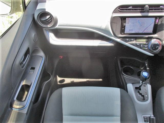 S 純正SDナビ・Bluetooth・フルセグTV・Bカメラ・シートエアコン・15インチスタッドレスタイヤ・オートエアコン・プロジェクターヘッド・電動格納式ウインカーミラー(23枚目)