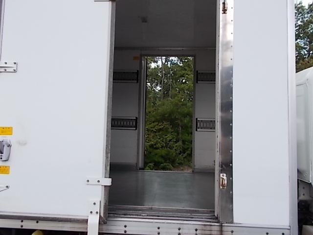 2トン ワイドロング パネルバン 両側ドア 背高205cm(9枚目)