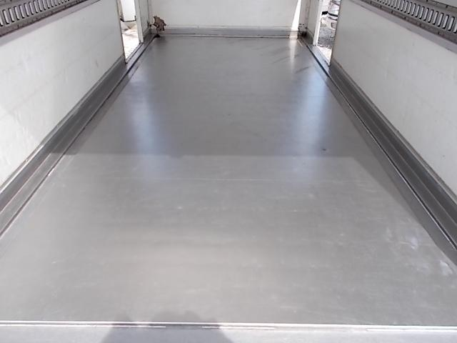 2トン ワイドロング パネルバン 両側ドア 背高205cm(12枚目)