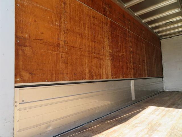 3.1トン アルミウイング 荷寸L619 W232 H232 フロア6MT ターボ バックカメラ 坂道発進補助装置 DPD オーバーヘッドコンソール 車幅灯 導風板 暖気システム 左片側電格 集中ロック スペアキー 日本フルハーフ製(15枚目)