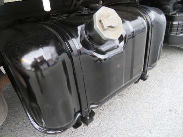 3トン 標準平 低床 新明和製垂直パワーゲート 3ペダル 昇降600kg 荷台塗装 荷寸306-160-37(欄干まで57) パワーゲート面:W158-L83 床板鉄板 アオリ鉄板 ロープ穴左右3カ所 坂道発進補助装置 ABS 取扱説明書 ドライブレコーダー(17枚目)