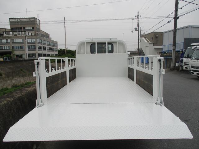 フルフラットロー 3トン 平ボディ 新明和製垂直パワーゲート 昇降600kg 3ペダル 6MT 荷寸307-160-37(63) パワーゲート面W158-L70(84) 床板鉄板 4分割アオリ 荷台塗装(10枚目)