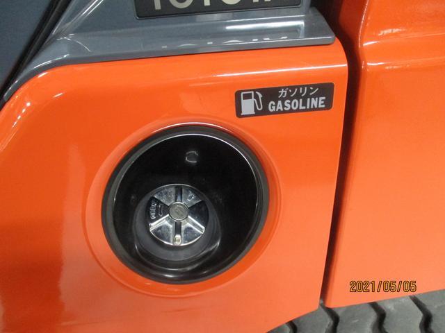 トヨタ 最大荷重2000kg アワーメーター146.4h 2段マスト 最大揚高3000MM さやフォーク サイドシフト ツメの長さ1620mm ノーパンクタイヤ 車両重量3250kg(17枚目)