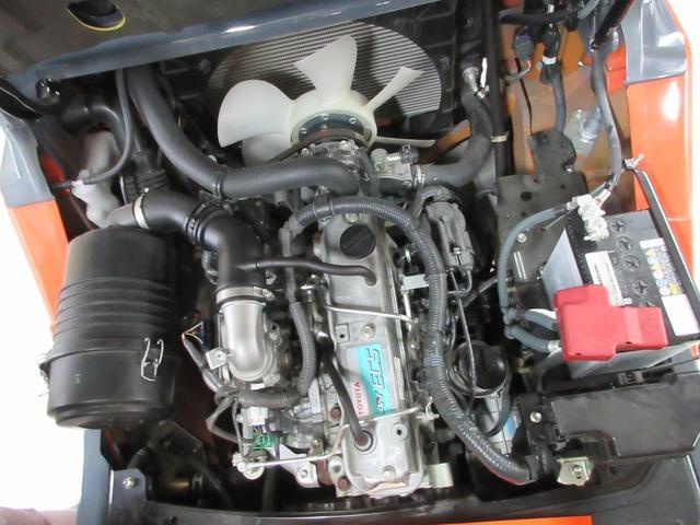 トヨタ 最大荷重2000kg アワーメーター146.4h 2段マスト 最大揚高3000MM さやフォーク サイドシフト ツメの長さ1620mm ノーパンクタイヤ 車両重量3250kg(26枚目)