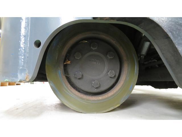 トヨタ 最大荷重1700kg アワーメーター1686h 3段マスト 最大揚高4500MM ツメ長さ1520mm ノーパンクタイヤ 車両重量2520kg(22枚目)