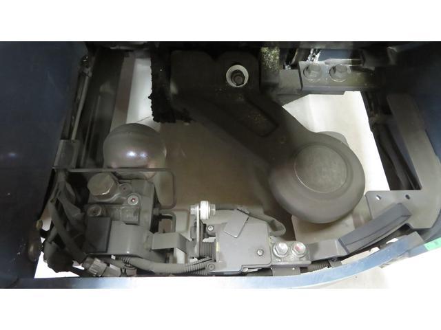 トヨタ 最大荷重1700kg アワーメーター1686h 3段マスト 最大揚高4500MM ツメ長さ1520mm ノーパンクタイヤ 車両重量2520kg(33枚目)