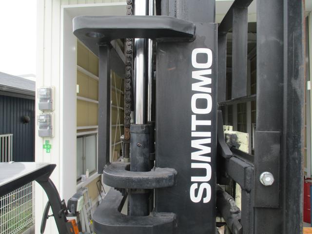 住友 2.4トン バッテリー式カウンターフォークリフト 最大揚高4030MM ツメ長さ1370mm アワーメーター4849.1h フォークシフター 2段ハイマスト 縦394cm 横110cm 高さ259cm(12枚目)