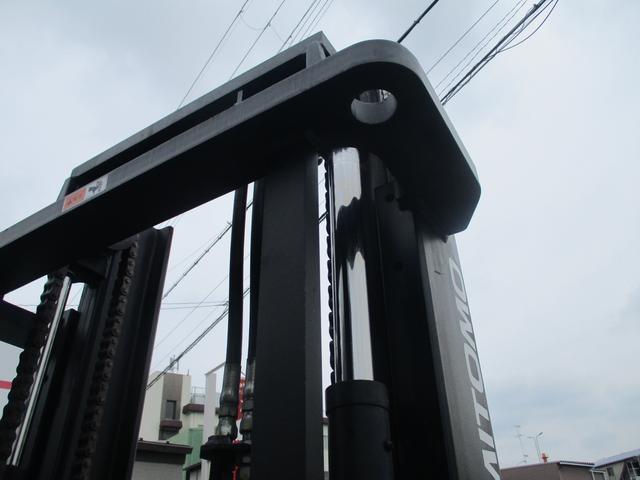 住友 2.4トン バッテリー式カウンターフォークリフト 最大揚高4030MM ツメ長さ1370mm アワーメーター4849.1h フォークシフター 2段ハイマスト 縦394cm 横110cm 高さ259cm(15枚目)