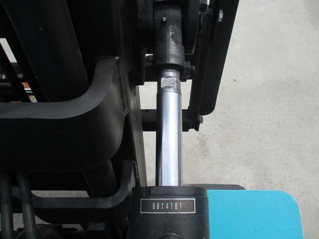 住友 2.4トン バッテリー式カウンターフォークリフト 最大揚高4030MM ツメ長さ1370mm アワーメーター4849.1h フォークシフター 2段ハイマスト 縦394cm 横110cm 高さ259cm(17枚目)