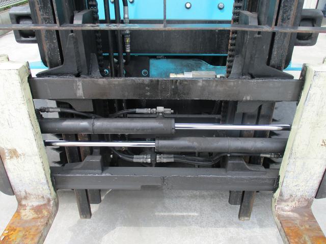 住友 2.4トン バッテリー式カウンターフォークリフト 最大揚高4030MM ツメ長さ1370mm アワーメーター4849.1h フォークシフター 2段ハイマスト 縦394cm 横110cm 高さ259cm(18枚目)