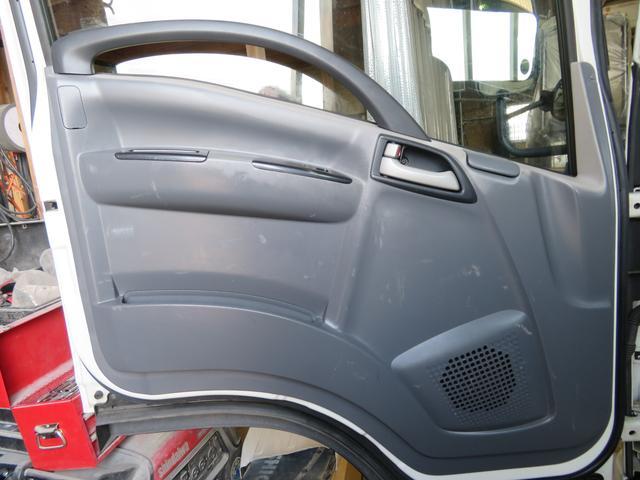 2トン ワイドロング カスタム 全低床 6AT 荷台塗装 荷寸435-207-40 内フック左右4箇所 ロープ穴左右5箇所 オートエアコン 純正CDデッキ アイドリングストップ ASR ミラーヒーター 左電格ミラー ETC(20枚目)