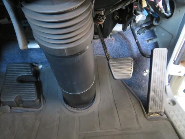 2トン ワイドロング カスタム 全低床 6AT 荷台塗装 荷寸435-207-40 内フック左右4箇所 ロープ穴左右5箇所 オートエアコン 純正CDデッキ アイドリングストップ ASR ミラーヒーター 左電格ミラー ETC(23枚目)