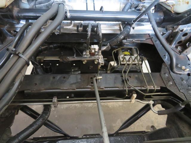 2トン ワイドロング カスタム 全低床 6AT 荷台塗装 荷寸435-207-40 内フック左右4箇所 ロープ穴左右5箇所 オートエアコン 純正CDデッキ アイドリングストップ ASR ミラーヒーター 左電格ミラー ETC(33枚目)