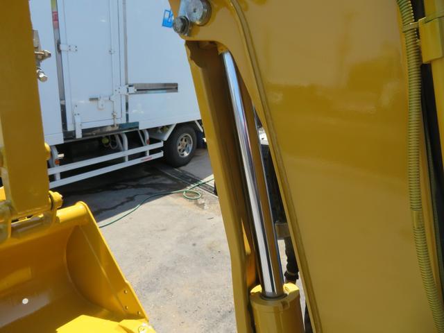 コマツ 油圧ショベル  アワーメーター1699.5h 後方超小旋回 再塗装済 外寸L3750 W1450 H2520(11枚目)