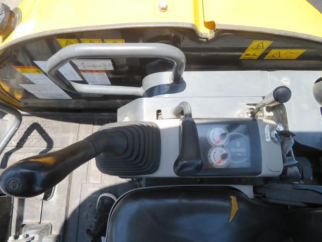 コマツ 油圧ショベル  アワーメーター1699.5h 後方超小旋回 再塗装済 外寸L3750 W1450 H2520(21枚目)