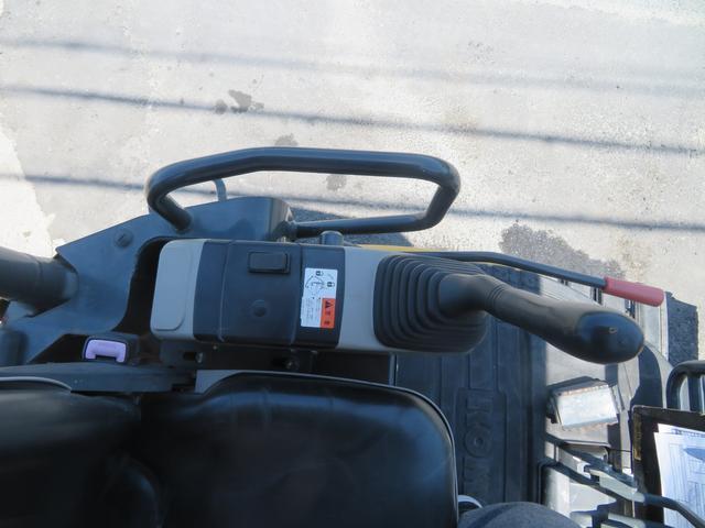 コマツ 油圧ショベル  アワーメーター1699.5h 後方超小旋回 再塗装済 外寸L3750 W1450 H2520(22枚目)