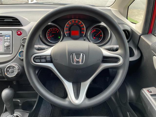 軽自動車から外車まで選び抜かれたお薦め車両を展示中。