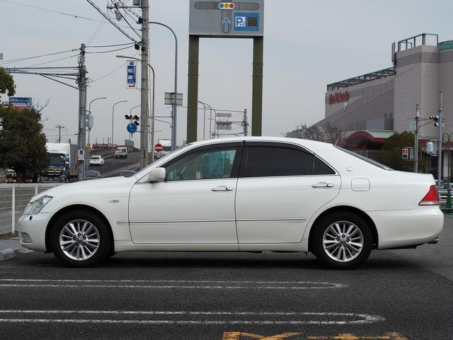 トヨタ クラウン ロイヤルサルーン 純正ナビ Bカメラ ETC ユーザー買取車
