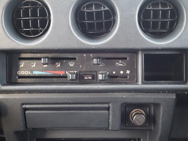 ワイルドウインド リフトアップ 新型シエラ用15AW シートカバー 社外ステアリング CDデッキ 社外バンパー グリル LEDライト LEDテール(26枚目)