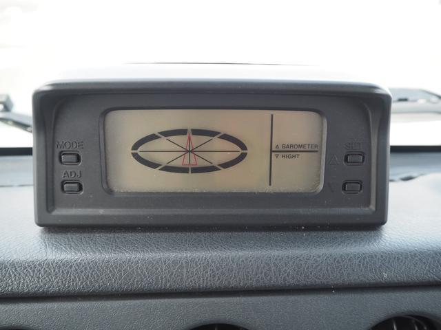 ワイルドウインド リフトアップ 16AW TOYO M/Tタイヤ 社外前後バンパー LEDテール 新品シートカバー・ウッドステアリング ハマーグリル RAYBRIGライト CDデッキ ターボタイマー(26枚目)