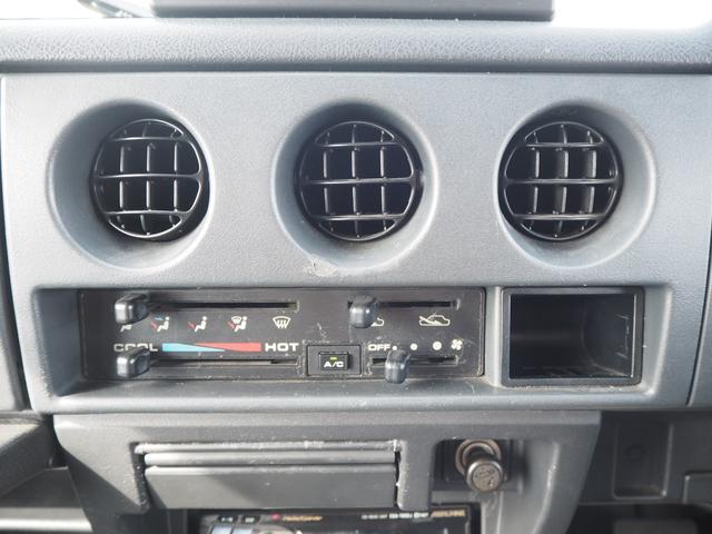 ワイルドウインド リフトアップ 16AW TOYO M/Tタイヤ 社外前後バンパー LEDテール 新品シートカバー・ウッドステアリング ハマーグリル RAYBRIGライト CDデッキ ターボタイマー(27枚目)