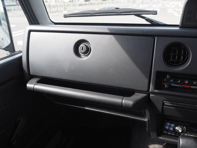 ワイルドウインド リフトアップ 16AW TOYO M/Tタイヤ 社外前後バンパー LEDテール 新品シートカバー・ウッドステアリング ハマーグリル RAYBRIGライト CDデッキ ターボタイマー(33枚目)