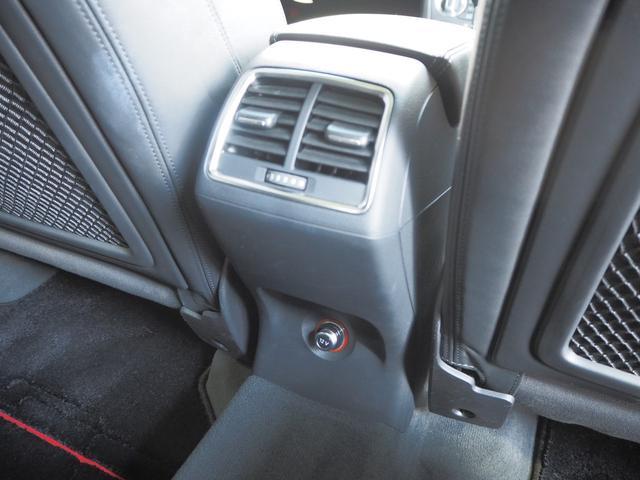 「アウディ」「アウディ Q3」「SUV・クロカン」「京都府」の中古車31