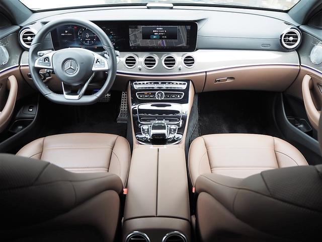 AMG E43 4マチック パノラミックスライディングルーフ/ブルメスターサウンドシステム/茶革シート/パワーシート/シートヒーター/360°カメラシステム/パークトロニック/ヘッドアップディスプレイ