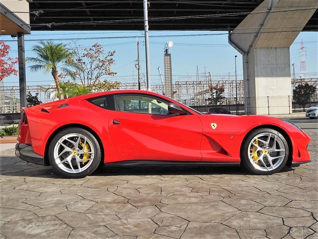 「フェラーリ」「812スーパーファスト」「クーペ」「京都府」の中古車26