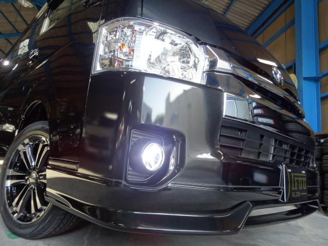 トヨタ ハイエースワゴン GL4WD フローリング UIマルチウェイベット TYPE3