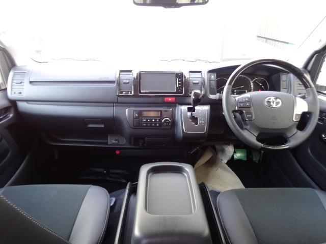 トヨタ ハイエースバン S-GLダークプライム 3列シートREVO2脚4ナンバー8人