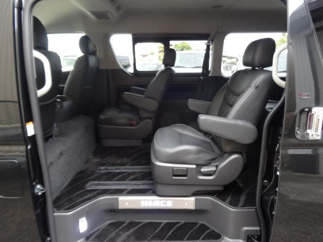 トヨタ ハイエースワゴン ワゴンGLレザーパッケージ キャプテンシート&ベンチシート