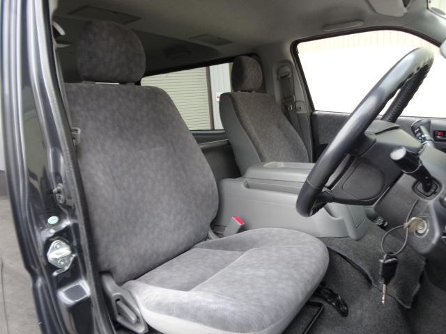 トヨタ ハイエースバン 2.5D-T 4WD S-GL 3型フェイスキット