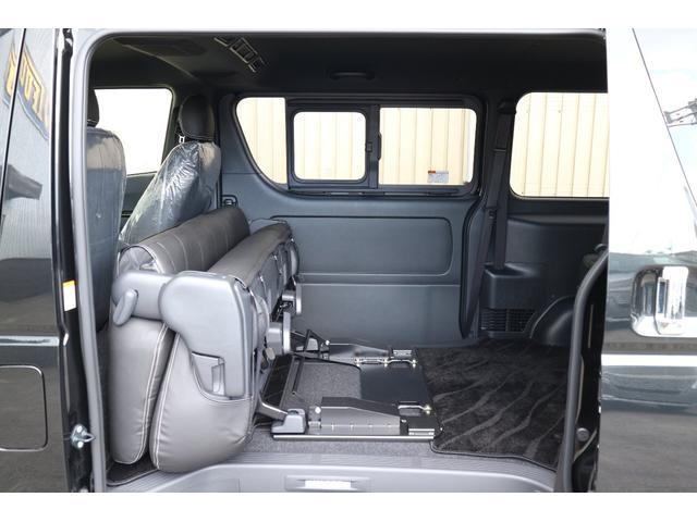 純正セカンドシートポップアップ機能有り!車輌持ち込みにて内装施工も出来ます!