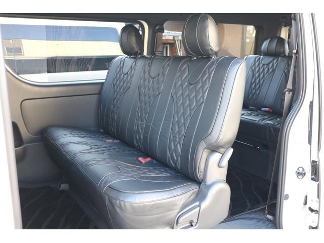 IFUU欧州車デザインシートカバー!オプションにてセカンドスライドレール設定有り!車輌持ち込みにて内蔵施工出来ます!
