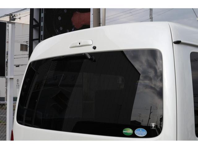 スーパーGL ダークプライムII 2.8D-Tワイド3列REVOシート2脚1ナンバー8人ロングスライドレールフロアフローリングパナソニック10inナビカロッツエリアフリップダウンモニターパノラマミックビューモニター車中泊アウトドア仕様(9枚目)