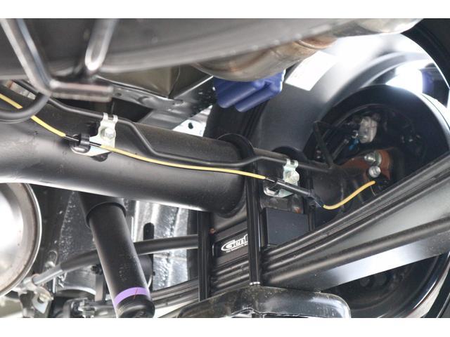 スーパーGL ダークプライムII IFUUカスタムコンプリートベットキットバケットシートカバーHDMI接続10inナビフリップダウンモニターウッドインテリアヴァレンティLEDヘッドライトLEDテールローダウン17inアルミエアロ(17枚目)