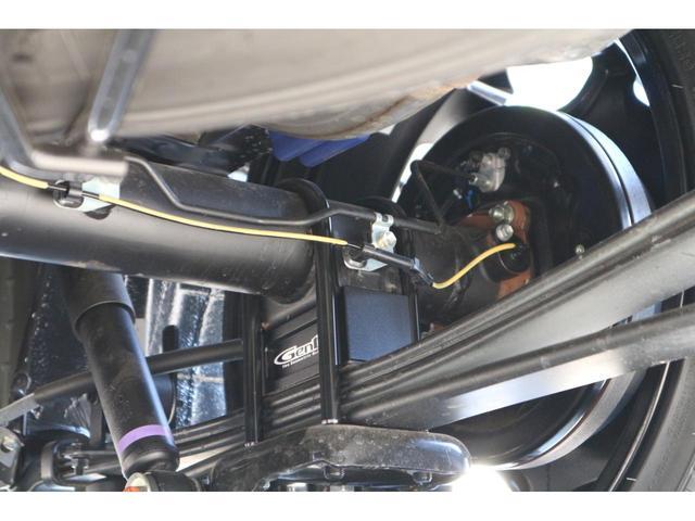 スーパーGL ダークプライムII 2.8D-T2WDIFUUカスタムコンプリートフローリングベットキットバケットシートカバーウッドインテリアアルパインBIGX11inナビ12.8inフリップダウンモニターフルエアロローダウン20in(22枚目)