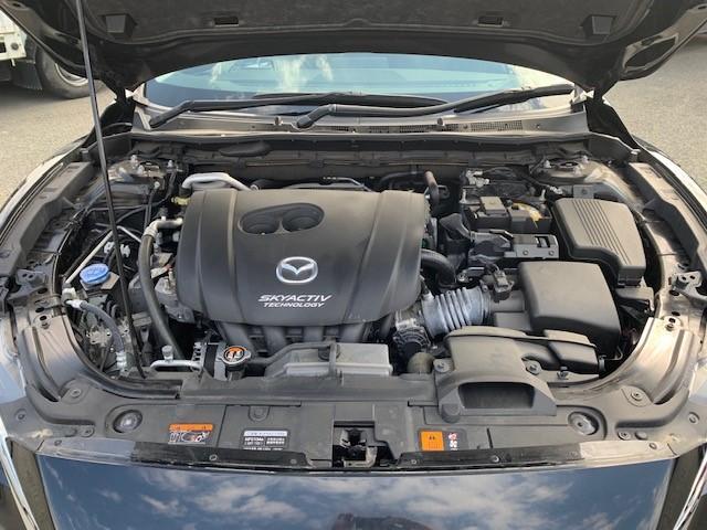 SKYACTIV-G搭載車!!エンジンルーム内もきれいな状態です。