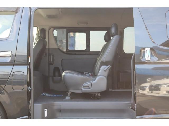 スーパーGL ダークプライム 3Lディーゼルターボ・Panasonic製SDナビ・新品ETC・バックカメラ・新品17インチAW・新品ナスカータイヤ・新品FLEXDelfinoスポイラー(12枚目)