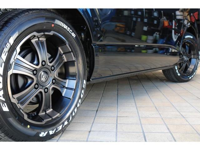 GL パーキングサポート FLEXベッドキットシートアレンジ ダブルモニター フローリング施工 Fスポイラー FLEX17インチAW ナスカータイヤ 1インチローダウン(8枚目)