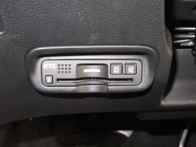 ハイブリッドZ・ホンダセンシング ナビ ドラレコ ミュージックラック Bluetoothオーディオ フルセグ インターナビ ドラレコ ETC パドルシフト LED オートライト シートヒータ ヒーテッドドアミラー 17インチアルミ(14枚目)