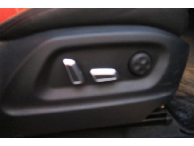 「アウディ」「SQ5」「SUV・クロカン」「大阪府」の中古車30