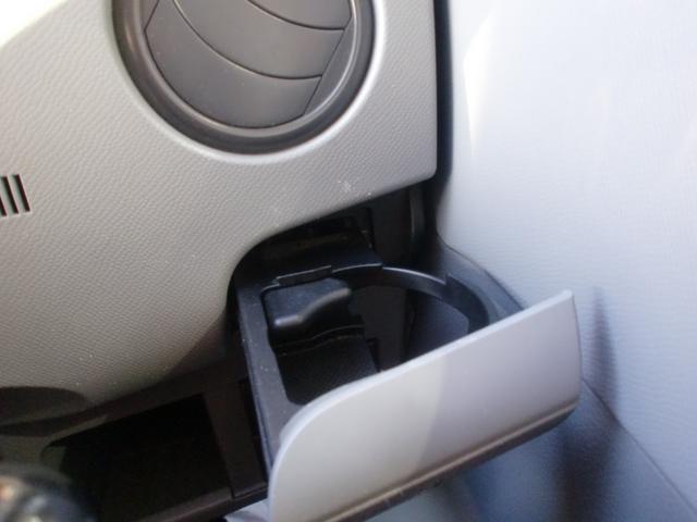 運転席用ドリンクホルダー