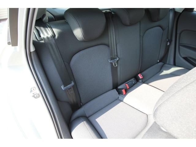 後部座席右側シートです。