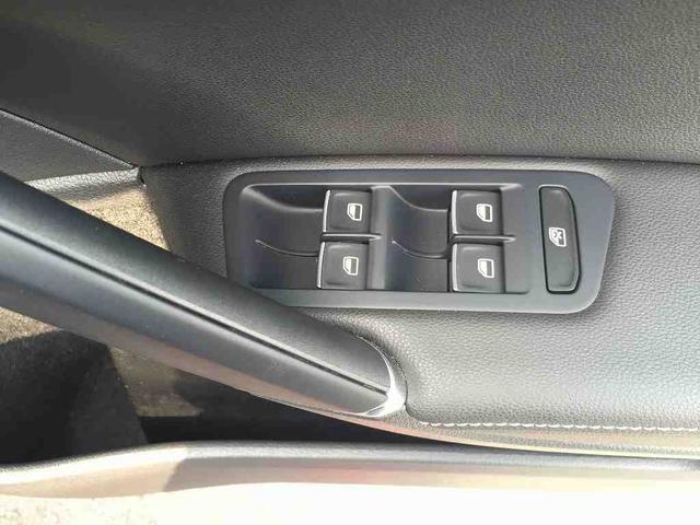 フォルクスワーゲン VW ゴルフヴァリアント TSIハイラインブルーモーションテクノロジー 本革シート
